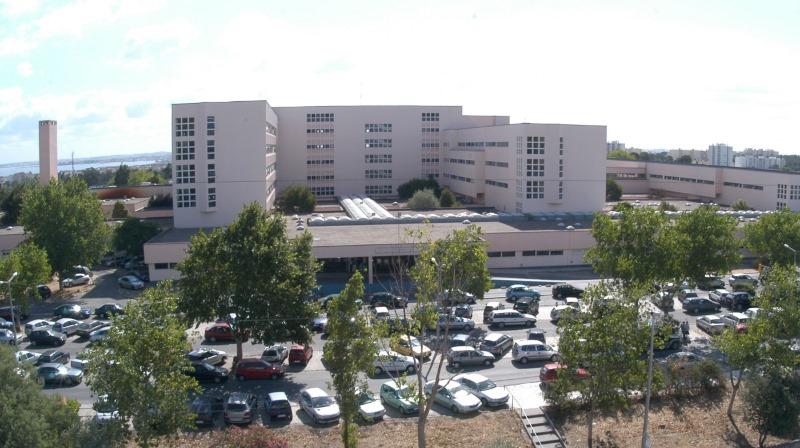 Hospital do Barreiro contesta judicialmente multa de 400 mil euros por acesso indevido a dados dos doentes
