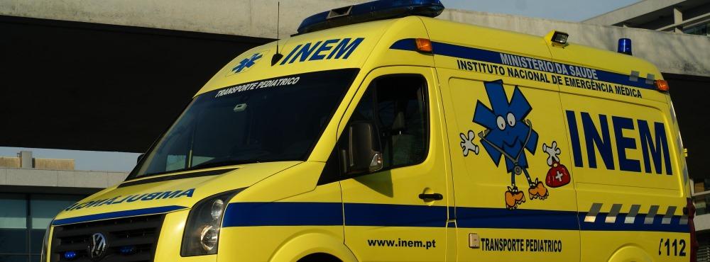"""Finanças """"travam"""" novas ambulâncias para o INEM"""