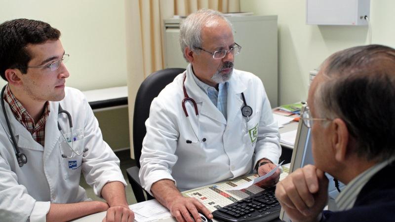 Sindicatos exigem abertura imediata de concursos médicos para não se repetirem atrasos