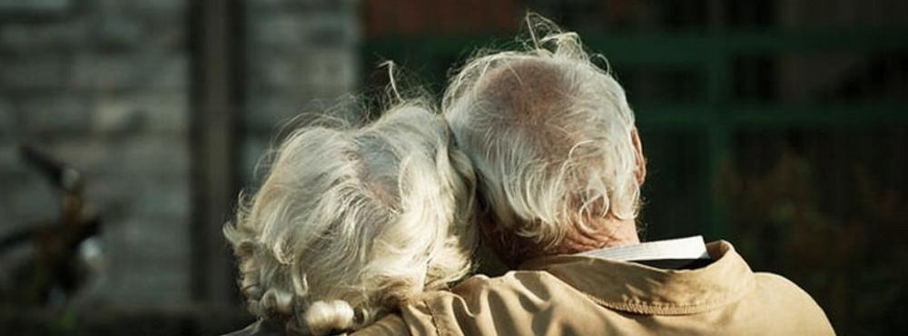 Sociedade marginaliza amor entre os mais velhos