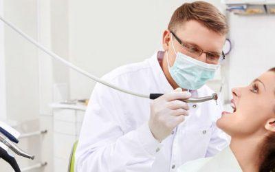 Jovens médicos dentistas enfrentam precariedade e subemprego