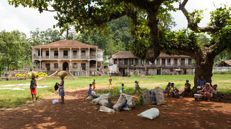 Especialistas portugueses iniciam estudo sobre celulite necrotizante em São Tomé