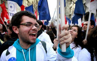 """Federação de sindicatos de enfermeiros acusa governo de querer """"hipotecar o futuro"""""""