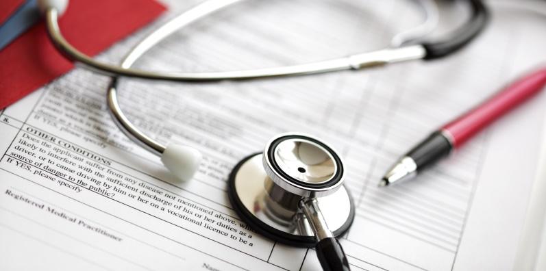 Falta de regulação em dispositivos médicos provoca mortes e complicações à escala mundial