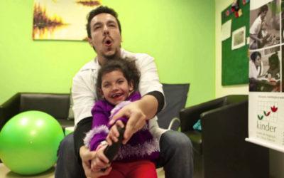 Jogos de realidade virtual ajudam a melhorar função motora em crianças com paralisia cerebral
