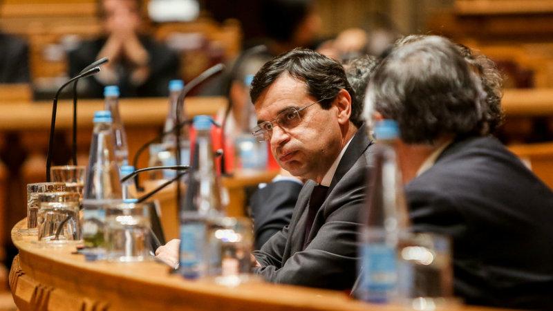 Mário Centeno admite má gestão no SNS. Ministro da Saúde ainda não reagiu