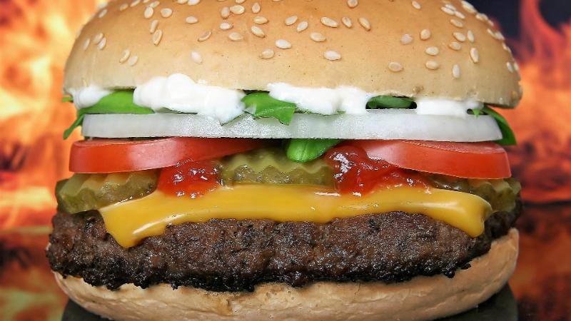 Bruxelas lança consulta para limitar gorduras 'trans' na alimentação