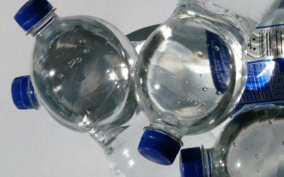 Composto químico do plástico reduz neurónios dos ratos em laboratório