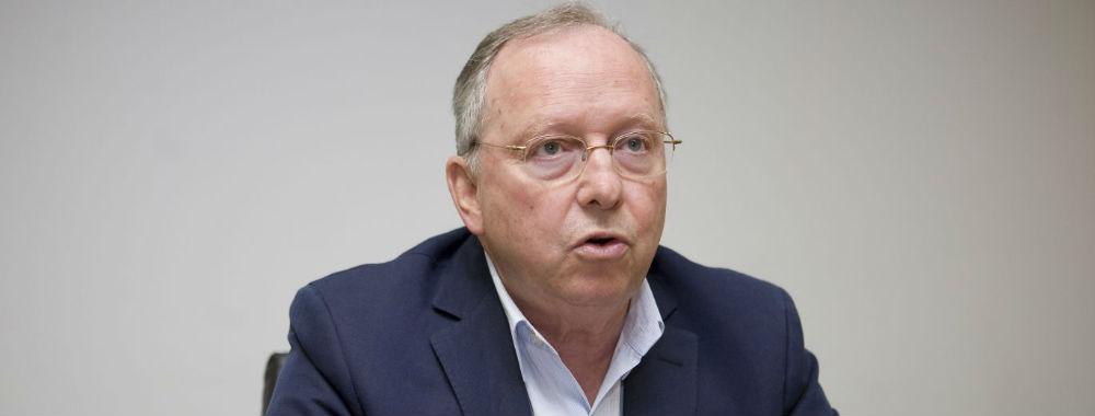 Profissionais do SNS estão desmotivados e vulneráveis aos privados, alerta ex-ministro Correia de Campos