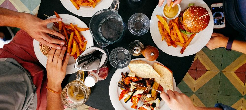 Alimentação dos pais influencia hábitos dos filhos, defende novo estudo