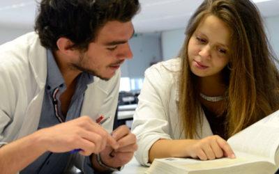 Estudantes de Medicina preocupados com saída de especialistas do país