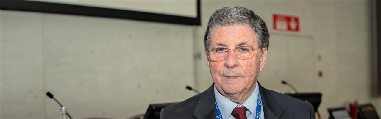 """Entrevista ao Prof. Dr. Carlos Ramalhão: """"Os médicos de família são a primeira barragem dos doentes cardiovasculares"""""""