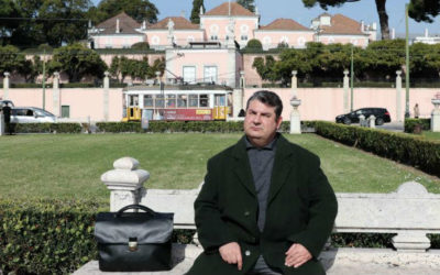 """Ministra liga ao presidente do Sindepor para se """"sentarem à mesa"""""""