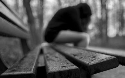 Uma morte a cada 40 segundos: suícidio mata mais do que a guerra