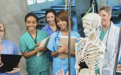 Governo abriu concurso para contratar 1264 médicos recém-especialistas