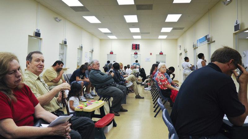 Califórnia estende programa de saúde a imigrantes ilegais