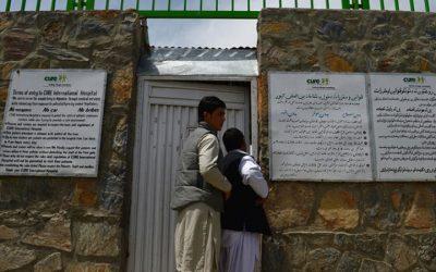 Afeganistão: Talibãs encerram  de centros de saúde de ONG sueca