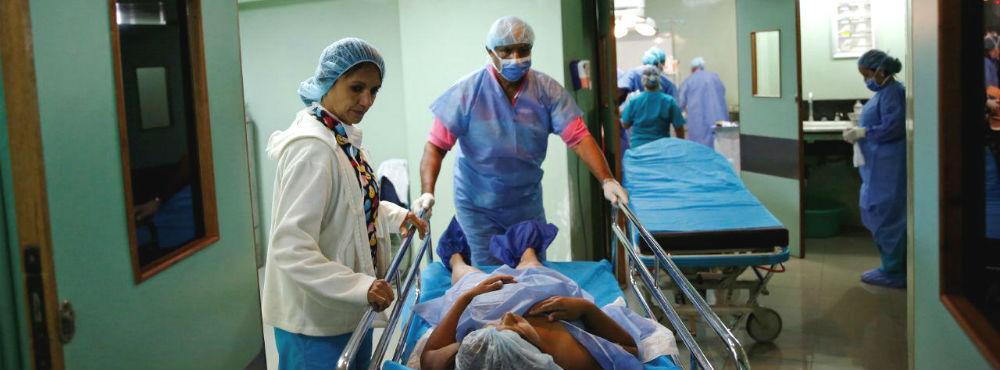 Em contraciclo com a Europa, salário de médicos e enfermeiros baixou em sete anos