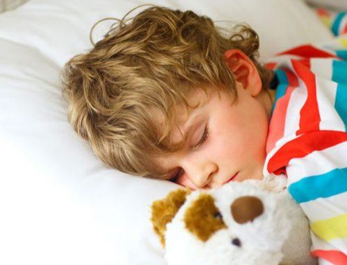 Distúrbios de sono nas crianças podem estar associados a má higiene oral