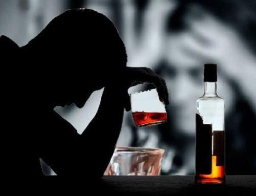 """Consumo de álcool e """"comida de plástico"""" aumentou do 1º para o 2º confinamento"""