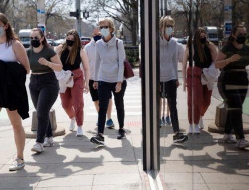 EUA suspendem uso de máscara para vacinados fora de contexto de multidão